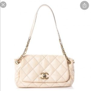 🔥Gorgeous Chanel Flap Bag Cream & Gold Hardware🔥